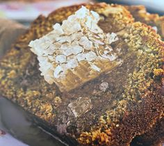 Pane di spezie alla zucca con miele in favo