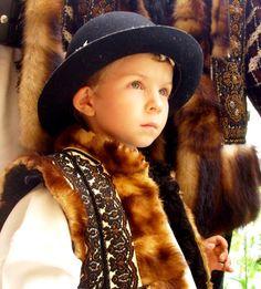 .Romanian traditional folk costume