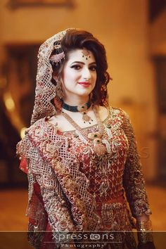 Indian bridal look Pakistani Bridal Makeup, Pakistani Wedding Dresses, Bridal Lehenga, Indian Bridal, Pakistani Jewelry, Desi Wedding Dresses, Asian Wedding Dress, Bridal Looks, Bridal Style