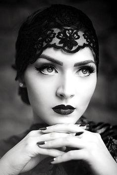 Veil, Femme fatale, Lady, Woman, Girl, Fashion, Glamour, Style, Luxury, Chic, B&W, Black & white, Black lace, Idda Van Munster, Aida Dapo