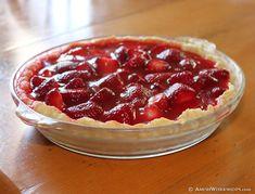 Fresh Amish Strawberry Pie - Dessert please - Torten Köstliche Desserts, Summer Desserts, Delicious Desserts, Dessert Recipes, Pie Recipes, Sweet Recipes, Cooking Recipes, Best Amish Recipes, Recipies
