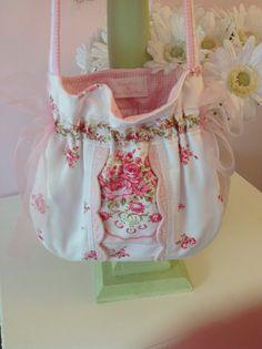 Handmade Shoulder Bag from Vintage Border Fabric Pink and Roses