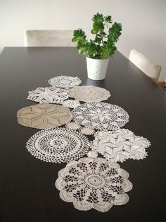 Items similar to Custom MADE Table Runner, Wedding Table Decoration With Handcrocheted Vintage Doilies on Etsy Doilies Crafts, Lace Doilies, Crochet Doilies, Crochet Table Runner, Quilted Table Runners, Crafts To Do, Diy Crafts, Doily Art, Creation Deco