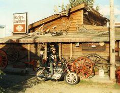 Harley-Davidson Old Motorcycle Shop Photo!
