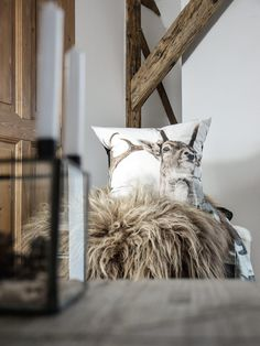 Wonderfull Chalet style of interior decorating Chalet Chic, Chalet Style, Chalet Design, Chalet Interior, Interior Exterior, Rustic Elegance, Modern Rustic, Alpine Style, Natural Interior