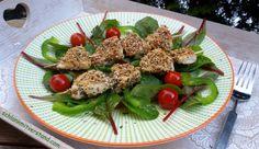 Hähnchenspieße mit Chia-Sesam-Panade low carb Eine vollwertige low carb Mahlzeit, die schnell zubereitet ist und lecker schmeckt. Zutaten pro Person: 1Hähnchenbrustfilet 1 TL Chia-Samen 1 E…