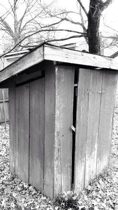 Outhouse. Gates, TN.