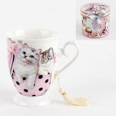 Cute porcelain #mug with #kitties! www.inart.com Coffee Set, Tea Set, Porcelain, Kitty, Romantic, Collections, Mugs, Tableware, Style
