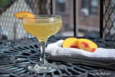 Peach Cocktail: Peach Fizz