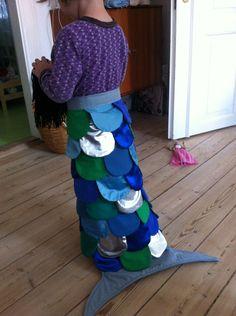Karin Svane Bech Havfrue hale med slå-om og velcro så den er nem at tage på for små piger