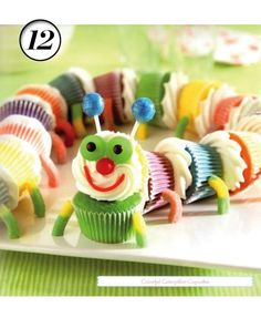 Colorful Caterpillar Cupcakes: I have a 2 year old who's favorite book is The Very Hungry Caterpillar. She's a huge fan of these cupcakes :) Mini Cupcakes, Pull Apart Cupcakes, Birthday Cupcakes, Party Cupcakes, Yummy Cupcakes, Rainbow Cupcakes, Colored Cupcakes, Cupcakes Kids, Birthday Desserts