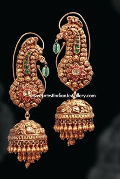 Gold Jewelry Design In India Antic Jewellery, India Jewelry, Temple Jewellery, Gold Jewelry, Jewelery, Gold Bangles, Ear Jewelry, Jewelry Holder, Jewelry Making