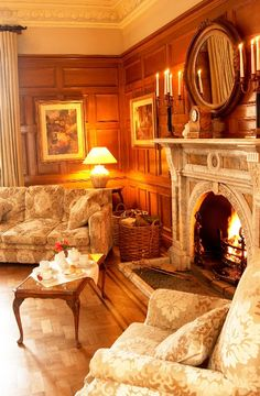 Buckland Tout-Saints: fine luxury manor-house hotel in Devon