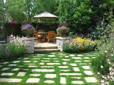 """Non-lawn, stone """"room"""" entrance    traditional landscape by Richard Lusk Landscape and Design"""
