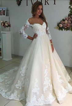 Charming Appliques Tulle Wedding Dress, Ball Gown Long