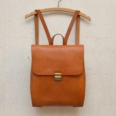 1fce0d2d99e7 8 件のおすすめ画像(ボード「リュック 革」) | Leather craft、Leather ...