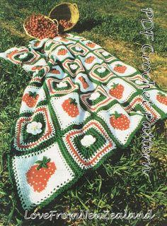 crocheted afghan/blanket with strawberries by VBlittlecraftshop on Etsy Cute Crochet, Crochet Crafts, Crochet Projects, Knit Crochet, Sewing Projects, Crochet Stitches, Crochet Blanket Patterns, Baby Patterns, Knitting Patterns