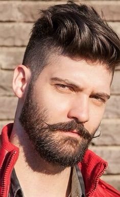 When beard paired with wrong hairstyle or face structure, it can be disastrous. Keep yourself updated with the Latest Modern Beard Styles For Men. Modern Beard Styles, Beard Styles For Men, Hair And Beard Styles, Short Hair Styles, Different Beard Styles, Short Hair With Beard, Mens Hairstyles With Beard, Haircuts For Men, Men Hairstyle Short