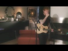 Ed Sheeran- Shape of You Acoustic (live)