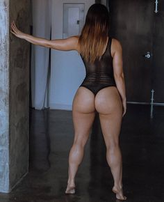 "12.9 mil Me gusta, 139 comentarios - Health & Fitness (@bossgirlsempire) en Instagram: ""@mary_bellavita is Booty Goals❤ Comment 2 emojis to show your reaction """