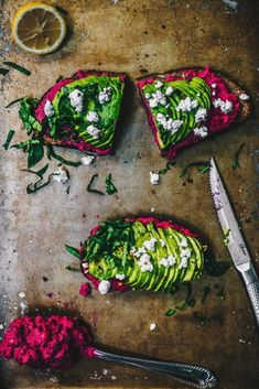 healthy eating The Best Avocado Beet Hummus Toast. Gluten-free bread, homemade beet hummus, avocado and cilantro. Its time to take your avocado toast to the next level! Avocado Toast, Fresh Avocado, Beet Hummus, Vegan Hummus, Healthy Hummus, Healthy Chicken, Vegetarian Recipes, Cooking Recipes, Healthy Recipes