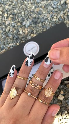 White coffin nails, Black nails, Acrylic nails - - Don't have time to go to the nail salon Tired of acrylic nails Press on Nails are a perfect solution! These beautiful coffin sh… [Video] in 2019 White coffin nails, Black nails, Acrylic nails Fake Nails White, White Coffin Nails, Acrylic Nails Coffin Short, Best Acrylic Nails, Black Nails, Pink Nails, Stiletto Nails, Pastel Nails, Cow Print