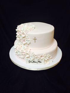 Communion cake with edible flowers - GG Cakes NY First Communion Decorations, First Communion Cakes, Christening Cake Girls, Strawberry Roll Cake, Edible Flowers Cake, Religious Cakes, Confirmation Cakes, Paris Cakes, Horse Cake