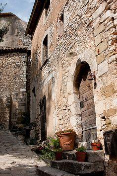 Simiane-la-Rotonde, Provence, France.