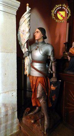 Bainville-sur-Madon - Statue de Jeanne d'Arc en armure