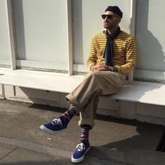 Sailor style, yellow and blue pairing with a pair of sunglasses Stylish Men, Men Casual, Looks Style, My Style, Look Man, Sailor Fashion, How To Pose, Minimal Fashion, Men Looks