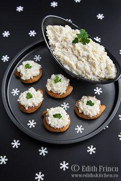 Salata de conopida Vegetarian Recipes Easy, Veggie Recipes, Veggie Meals, European Dishes, 30 Minute Meals, Cauliflower Recipes, Salmon Burgers, Food Art, Veggies
