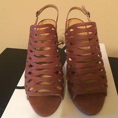 Nine West Heels Nine West heels in brown open toe Nine West Shoes Sandals