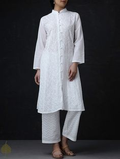 White Chikankari Button Down Cotton Kurta by Jaypore Pakistani Fashion Casual, Pakistani Formal Dresses, Pakistani Dress Design, Indian Dresses, Indian Outfits, Indian Fashion, Indian Clothes, White Salwar Suit, White Kurta