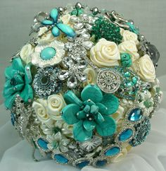 Teal, turquoise and aqua jeweled wedding bouquet. I'm thinking this shouldn't just be for brides. Aqua Wedding, Wedding Flowers, Dream Wedding, Wedding Day, Wedding Photos, Broschen Bouquets, Boutonniere, Creation Art, Wedding Brooch Bouquets