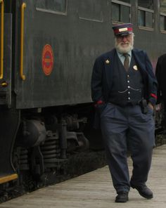 Her friendly conductor steps out to personally welcome Bianca and help her onto his train. Train Tracks, Train Rides, Pizza Station, Train Station, Old Steam Train, Train Pictures, Orient Express, Yesterday And Today, Coming Home