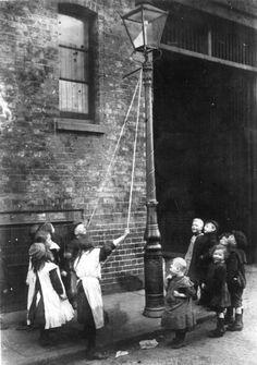 London Slums 1900