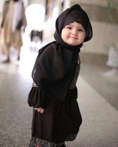 Kids Discover 34 Trendy Ideas Baby Fever Quotes Faces - Marys Secret World Cute Kids Photos, Cute Baby Girl Pictures, Cute Girls, Baby Hijab, Mode Turban, Moslem, Cute Babies Photography, Cute Baby Wallpaper, Islamic Girl