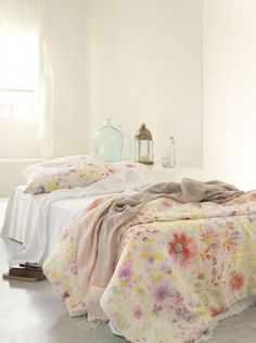 Soft colors for sheets and pillows | maison-shop.ch