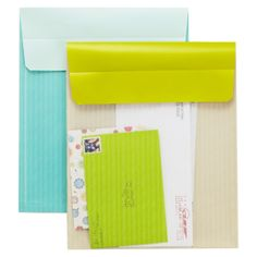 Our brilliant Post-it Pocket is guaranteed to make your life easier! The envelope flap features a restickable foam strip that makes the envelope easy to attach to your refrigerator, inside a cabinet door or anywhere else convenient, again and again.