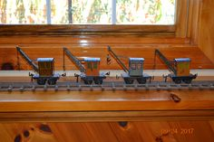 Bing Tinplate prewar O Gauge cranes.the third one in line may well be Marklin. Toy Trains, Model Trains, Old Toys, Tin, Dreams, Plates, Awesome, Furniture, Home Decor