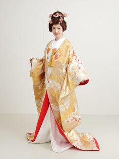 Golden uchikake