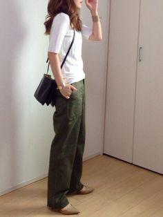 IENAのカーゴパンツ「《追加》サテンツイル ミリタリーパンツ◆」を使ったmayumiのコーディネートです。WEARはモデル・俳優・ショップスタッフなどの着こなしをチェックできるファッションコーディネートサイトです。