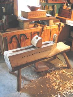 A bowl horse to make wooden bowls