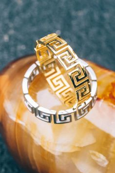 This MISTER ring has superior attention to detail.
