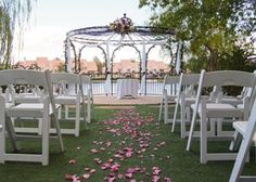 Lakeside #Weddings and #Events offers multiple gardens and ballrooms to choose from for your #wedding #ceremony and #reception! We love the lake view and the lush landscaping. Definitely one of the more unique venues in Las Vegas away from the strip. #premiereweddingmusic