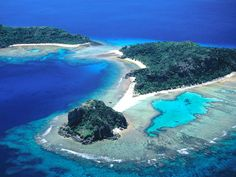 Fiji LOVEE! this might be honeymoon location!
