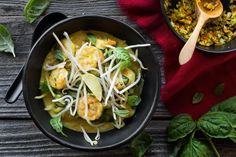 Coconut curried rice noodles with lemongrass and shrimp
