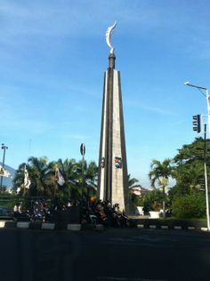 See 196 photos and 60 tips from 3077 visitors to Tugu Kujang Bogor. Bogor, Jakarta, Cn Tower, Pixel Art, Natural Beauty, Waves, Sunset, City, Amelia