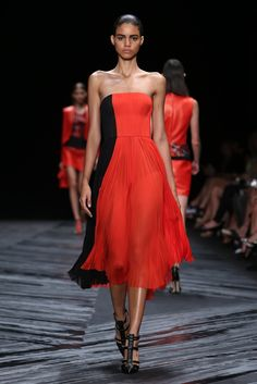 J. Mendel RTW Spring 2015    photo by Robert Mitra   posted by WWD