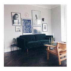 Velour kombiniert mit Leder - einfach ästhetisch @idestrup  #sofacompany_de #danishdesign #furniture #scandinaviandesign #interiordesign #dekoration #furnituredesign #nordicinspiration #leather #retro #darkgreen #velours #Samt